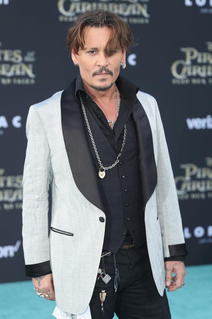 """Красавцы-мужчины: Джонни Депп и Орландо Блум блистают на премьере новой части """"Пиратов Карибского моря"""""""