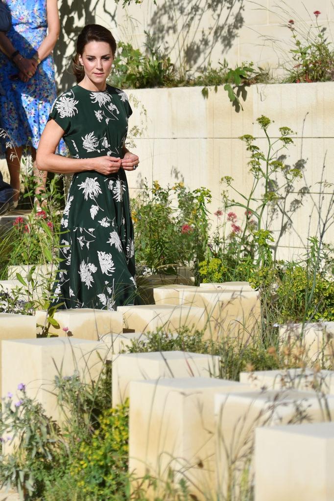 Кейт Миддлтон появилась на публике через два дня после свадьбы сестры Пиппы
