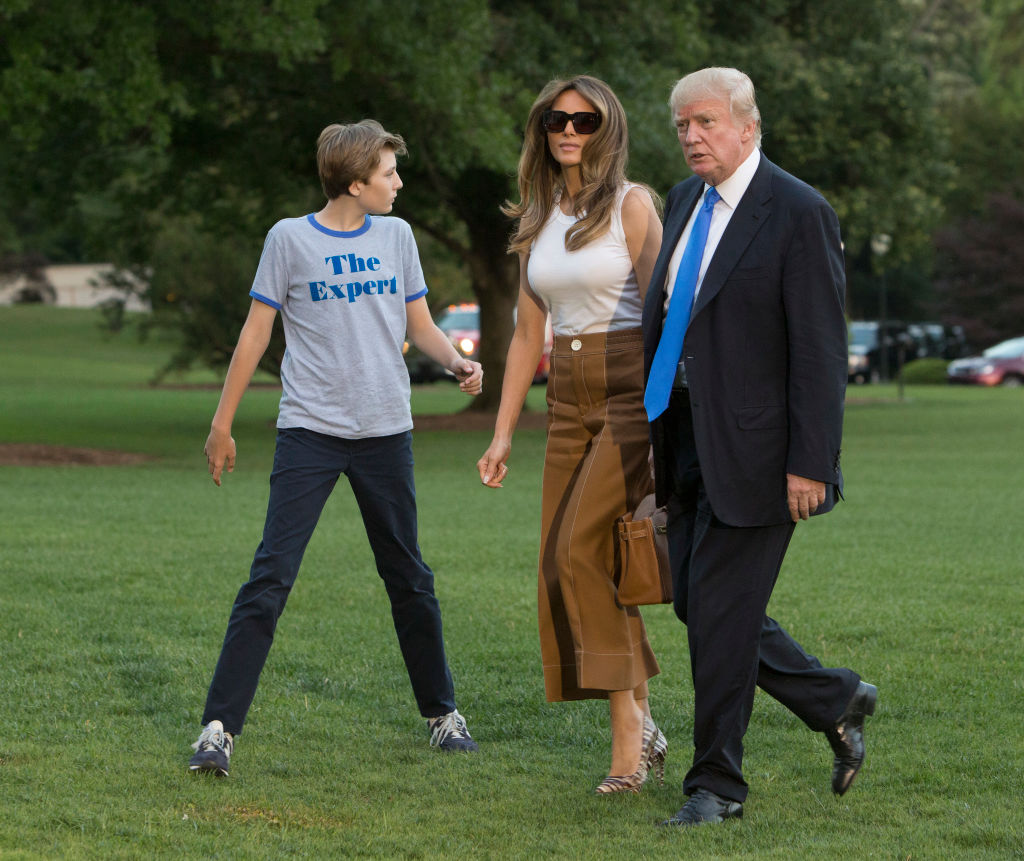 Мелания Трамп с сыном Барроном наконец переехали в Белый дом