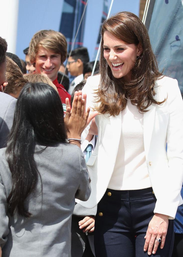 Разрушая модные стереотипы: в сети вновь обсуждают стоимость наряда Кейт Миддлтон