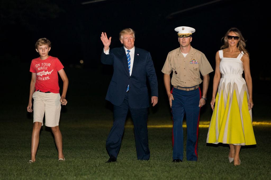 Мелания и Дональд Трамп впервые появились на публике после отпуска