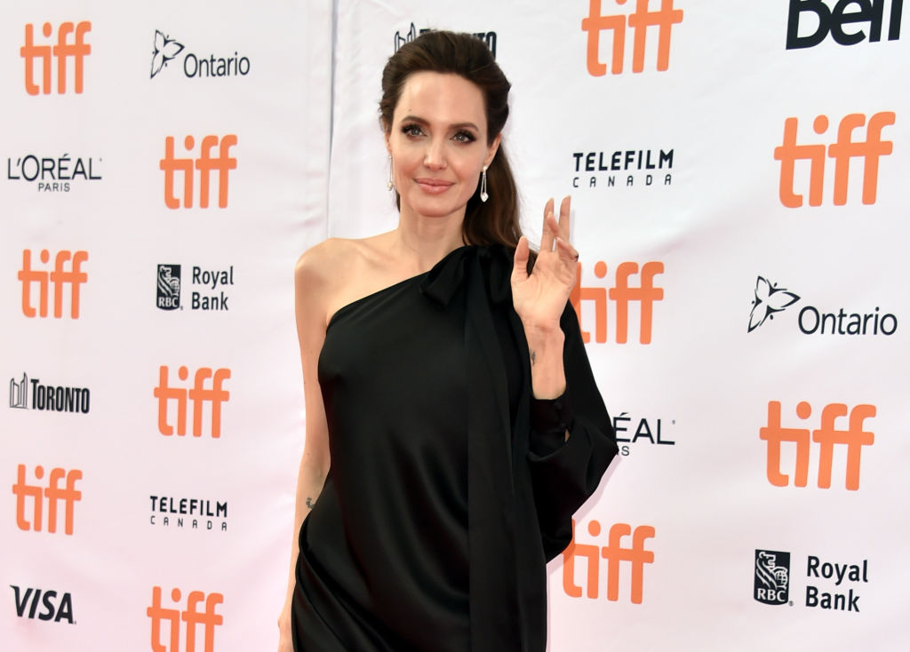 Потрясающая красота: Анджелина Джоли произвела фурор на кинофестивале в Торонто