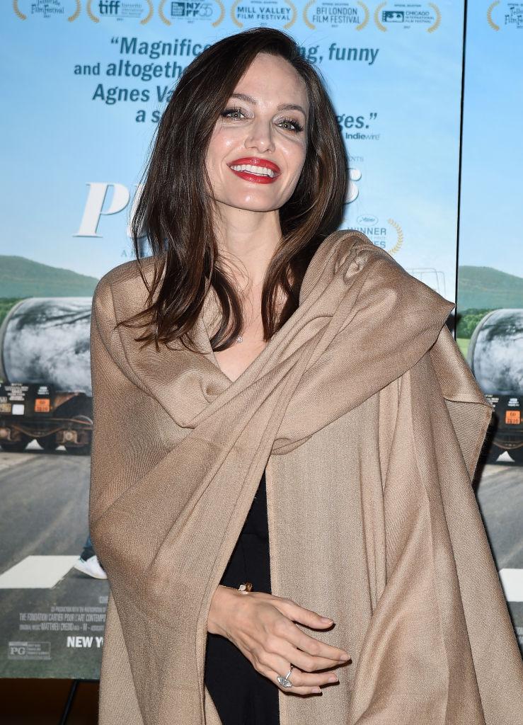 Такой ее давно не видели: Анджелина Джоли восхитила звонким смехом и улыбкой на премьере фильма