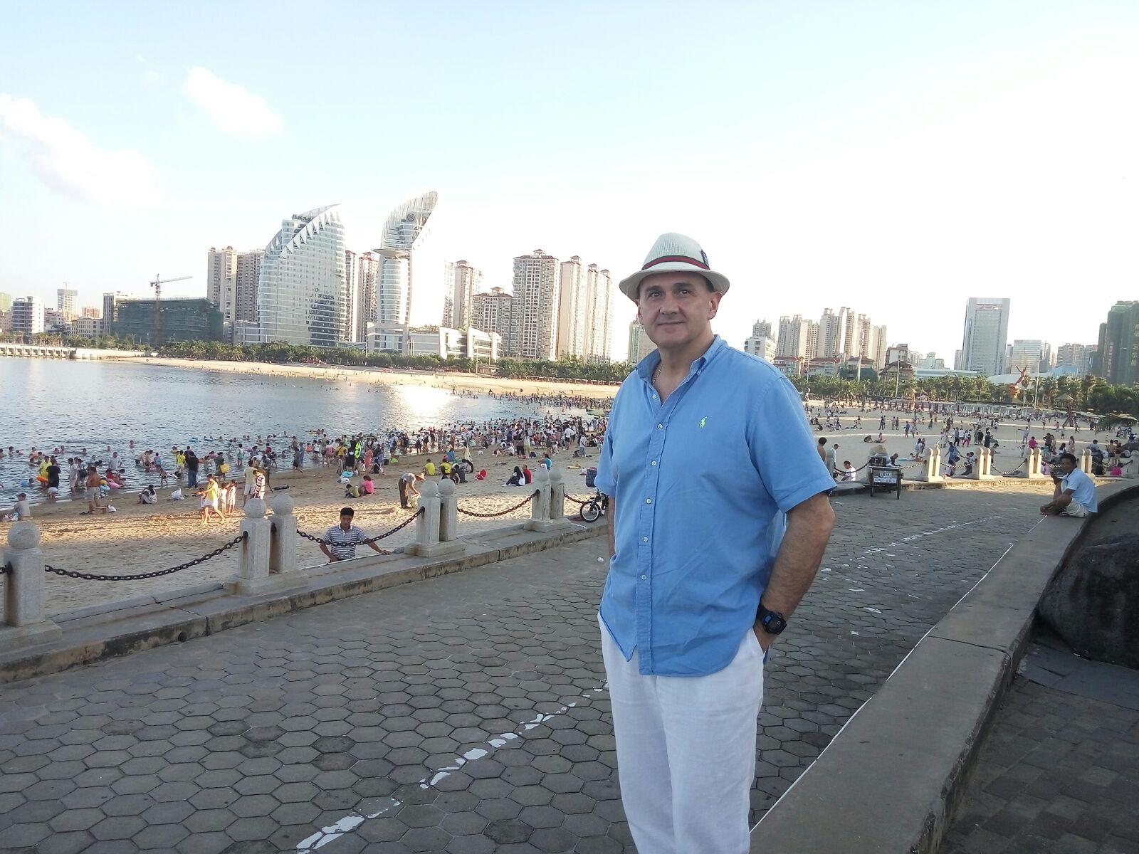 Владимир Гришко отмечает день рождения на острове Макао