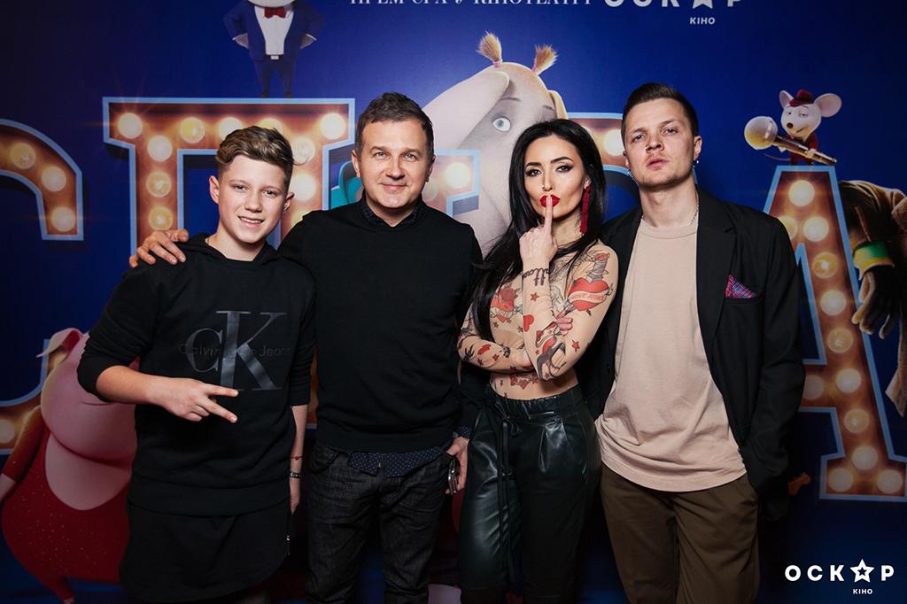 """Неймовірно схудлий Юрій Горбунов прийшов на прем'єру мультфільму """"Співай"""""""
