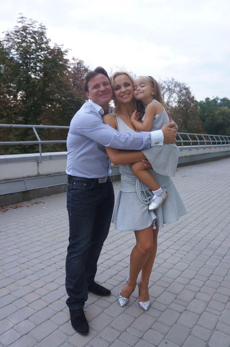 Лілія Ребрик та Андрій Дикий готують весільний подарунок для своєї 4-річної доньки