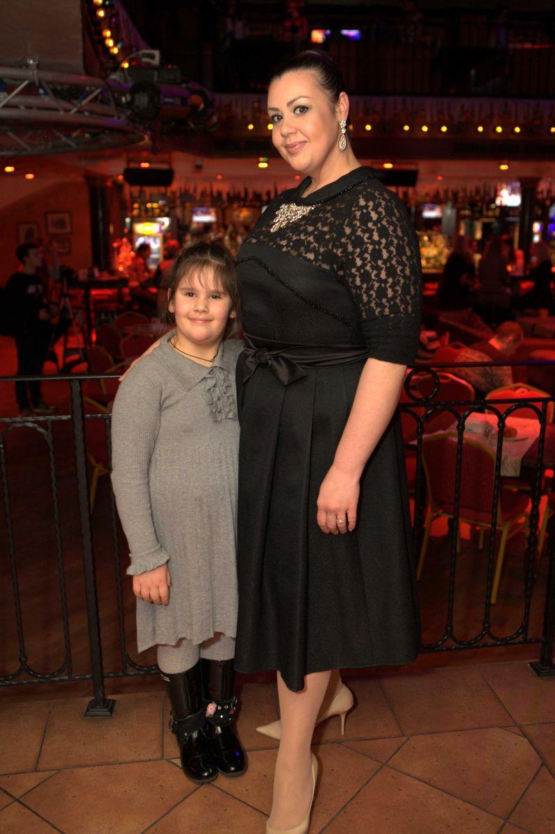 Алена Гребенюк с дочерью Анастасией