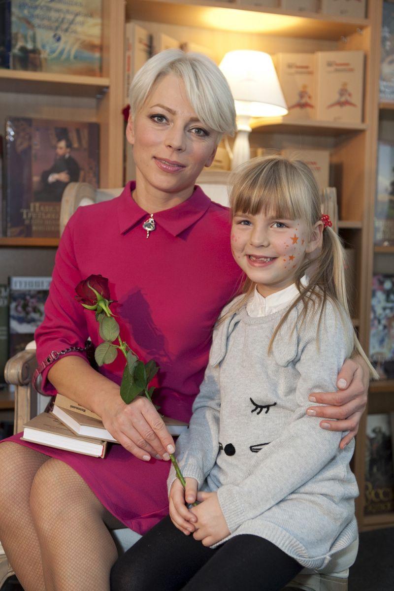 """Украинские звезды вместе с Viva! читали """"Маленького принца"""""""