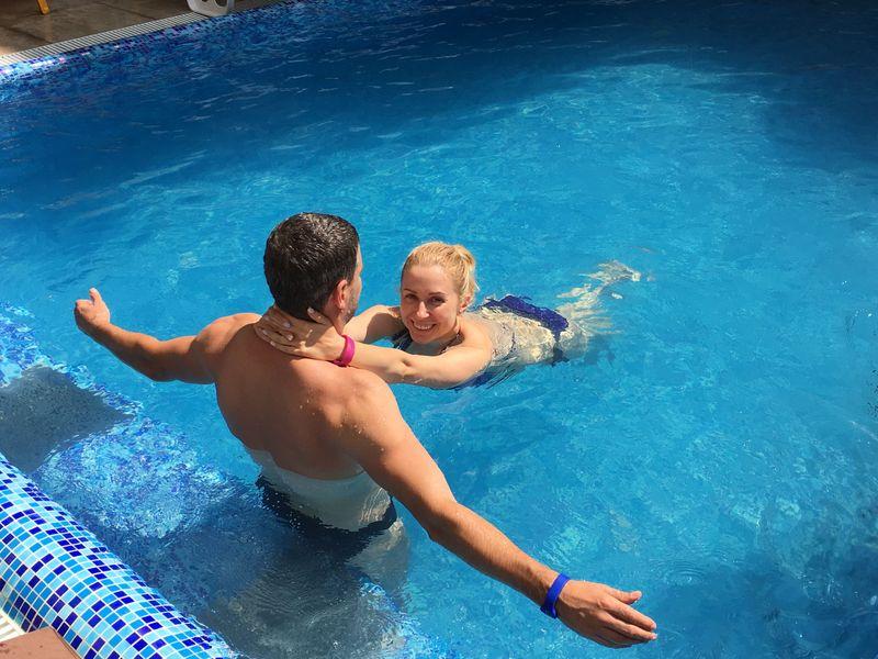 Тоня Матвиенко и Арсен Мирзоян с детьми отдыхают в Карпатах