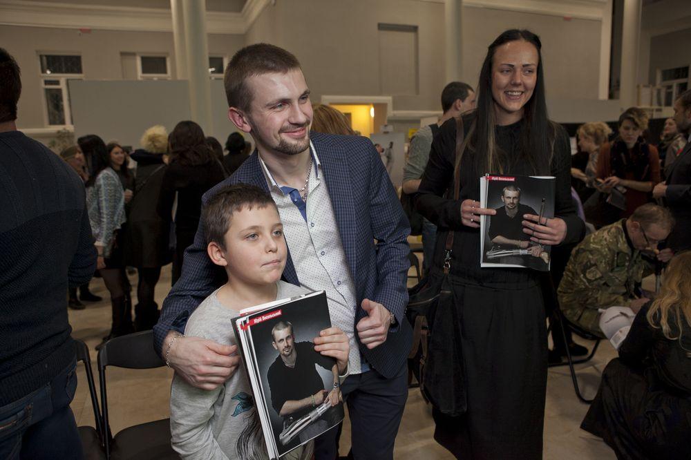Журнал VIVA! и ТСН презентовали спецпроект «Переможці» и открыли фотовыставку