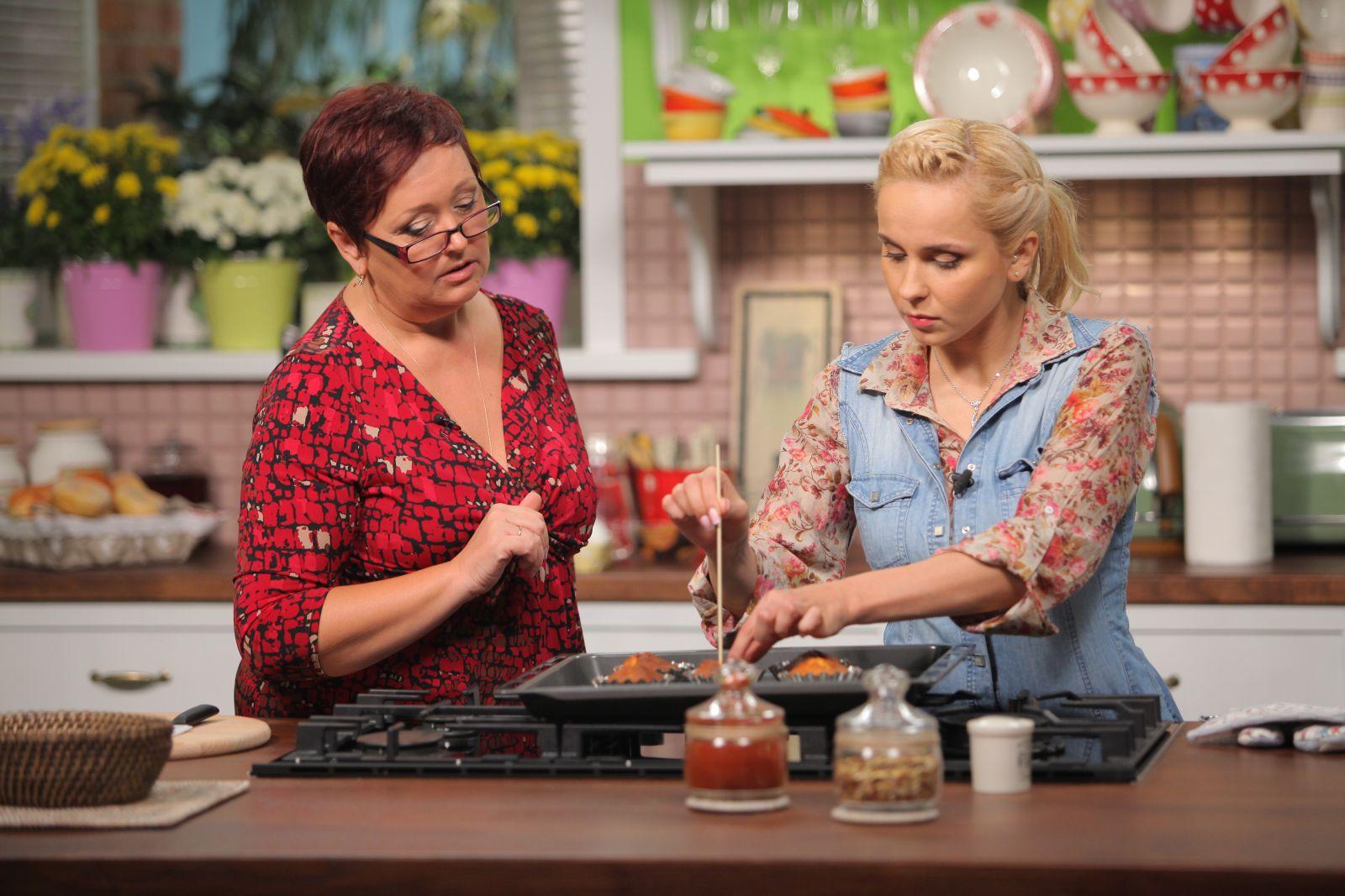 Лилия Ребрик накормила мужа подгоревшими пирожками
