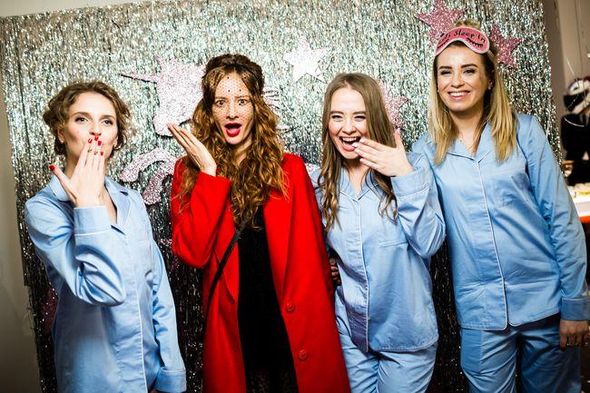 Елена Бурба устроила пижамную вечеринку в стиле Sex and the City