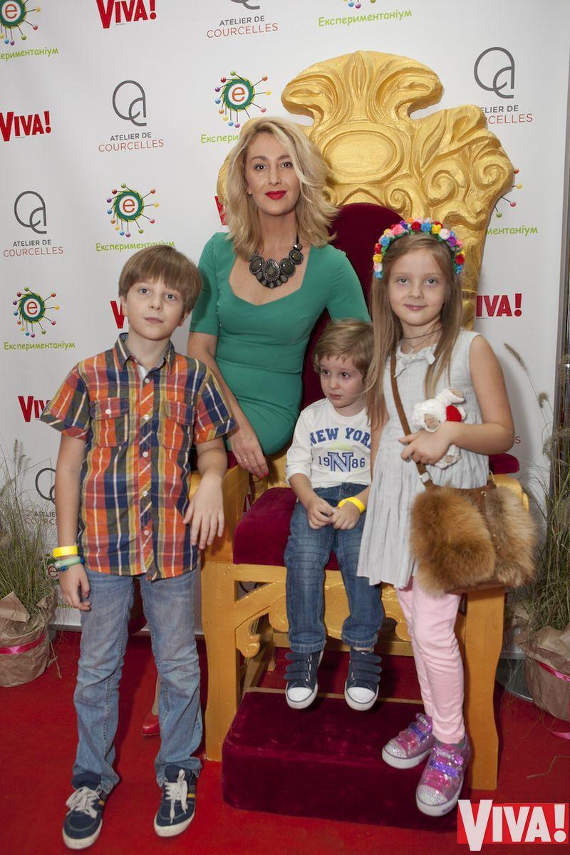 Снежана Егорова с детьми