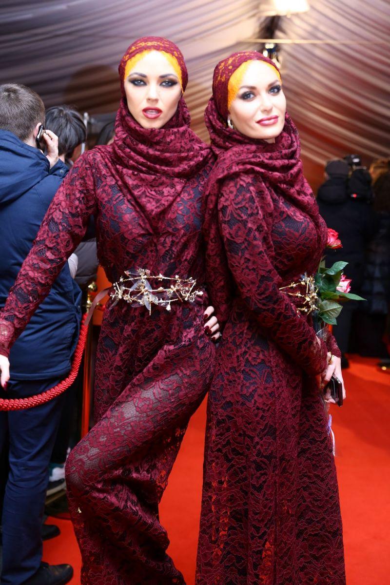 """Солистки """"Неангелов"""" обескуражили публики своими нарядами на """"Viva! Самые красивые-2017"""""""