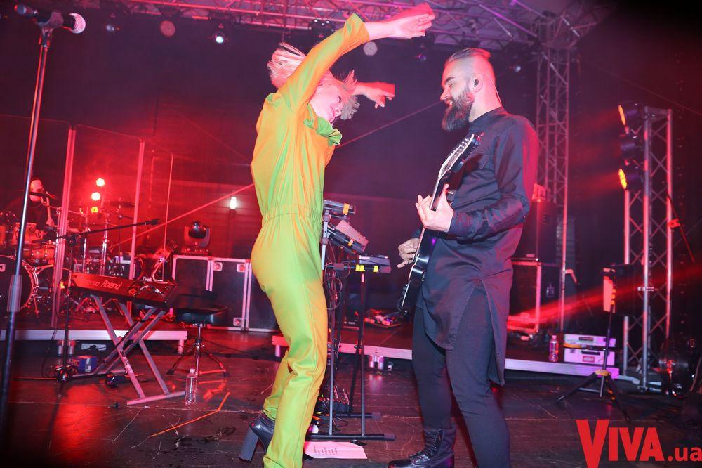 The Hardkiss выступили на вечеринке Viva!