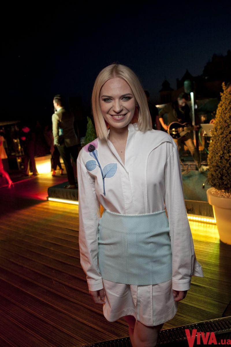 Alloise стала хедлайнером на вечеринке Viva!
