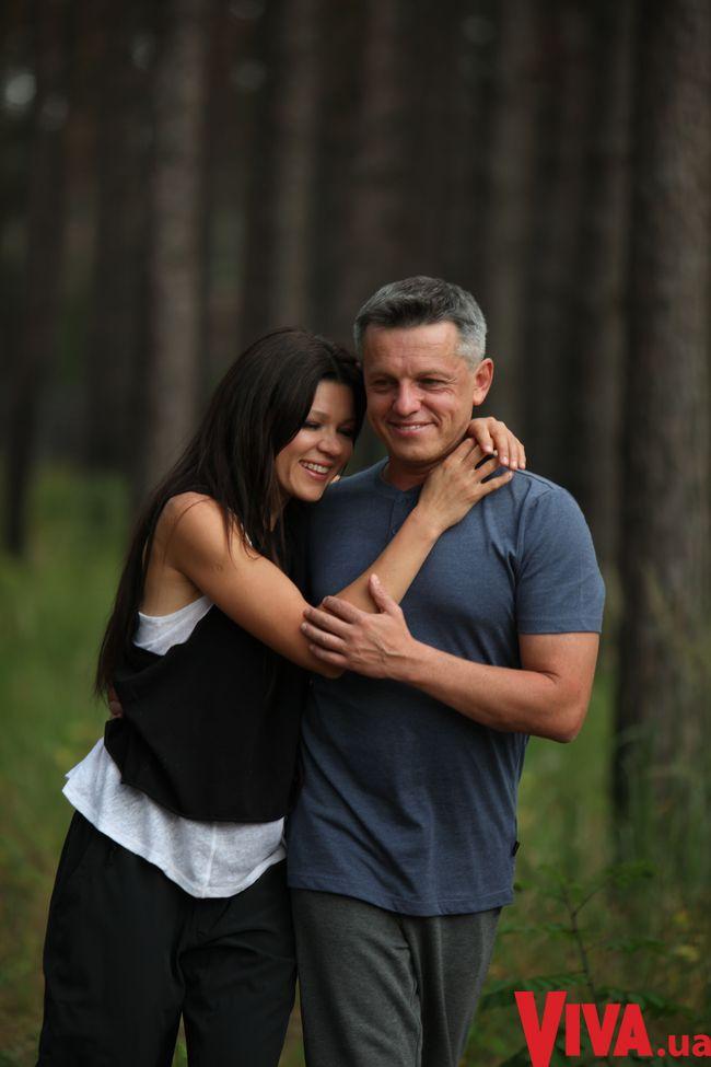 Руслана и ее муж празднуют 20-ю годовщину свадьбы! Семейные фото
