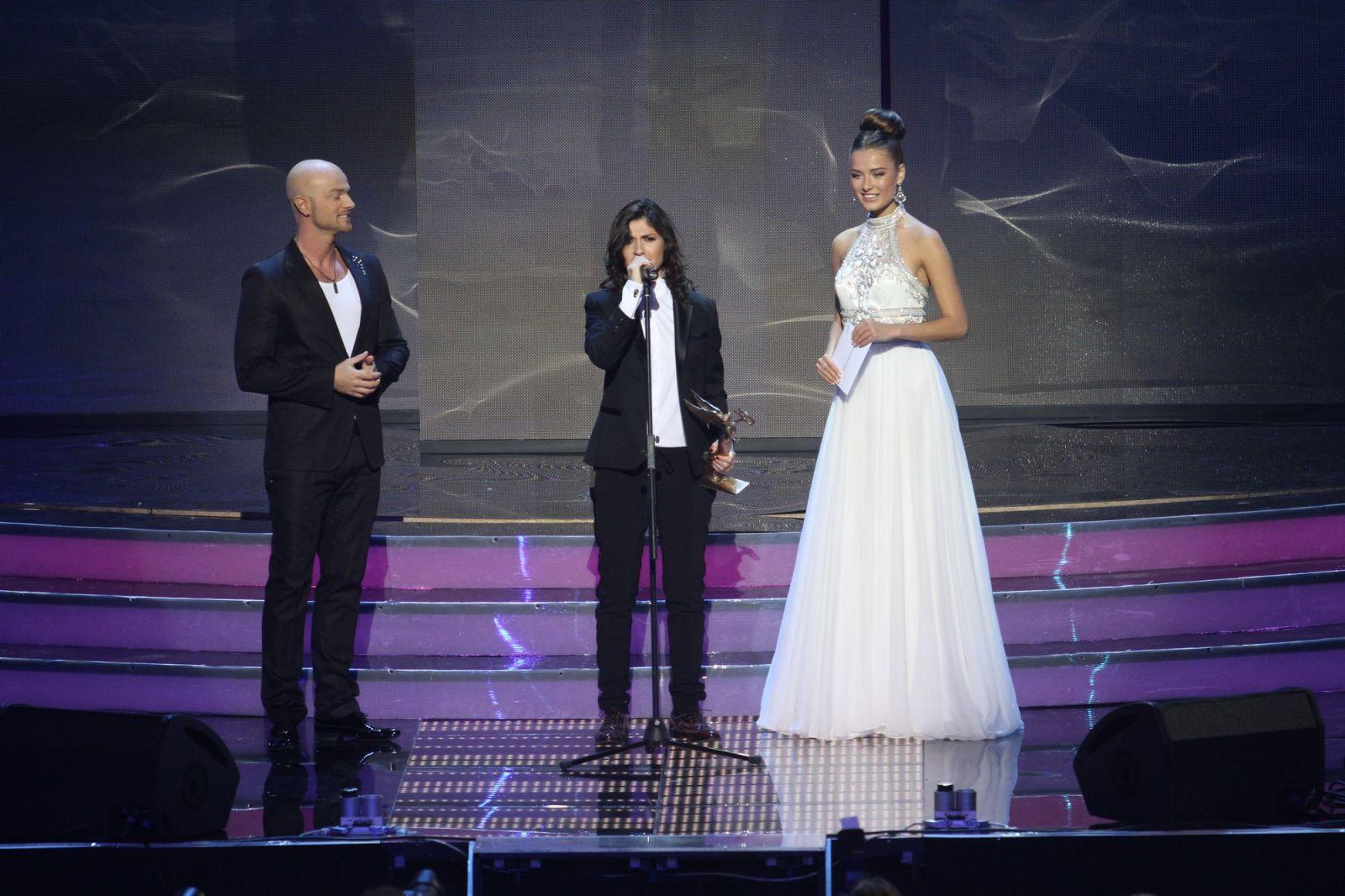 Продюсер Лободы Нателла Крапивина устроила скандал на церемонии Yuna-2015