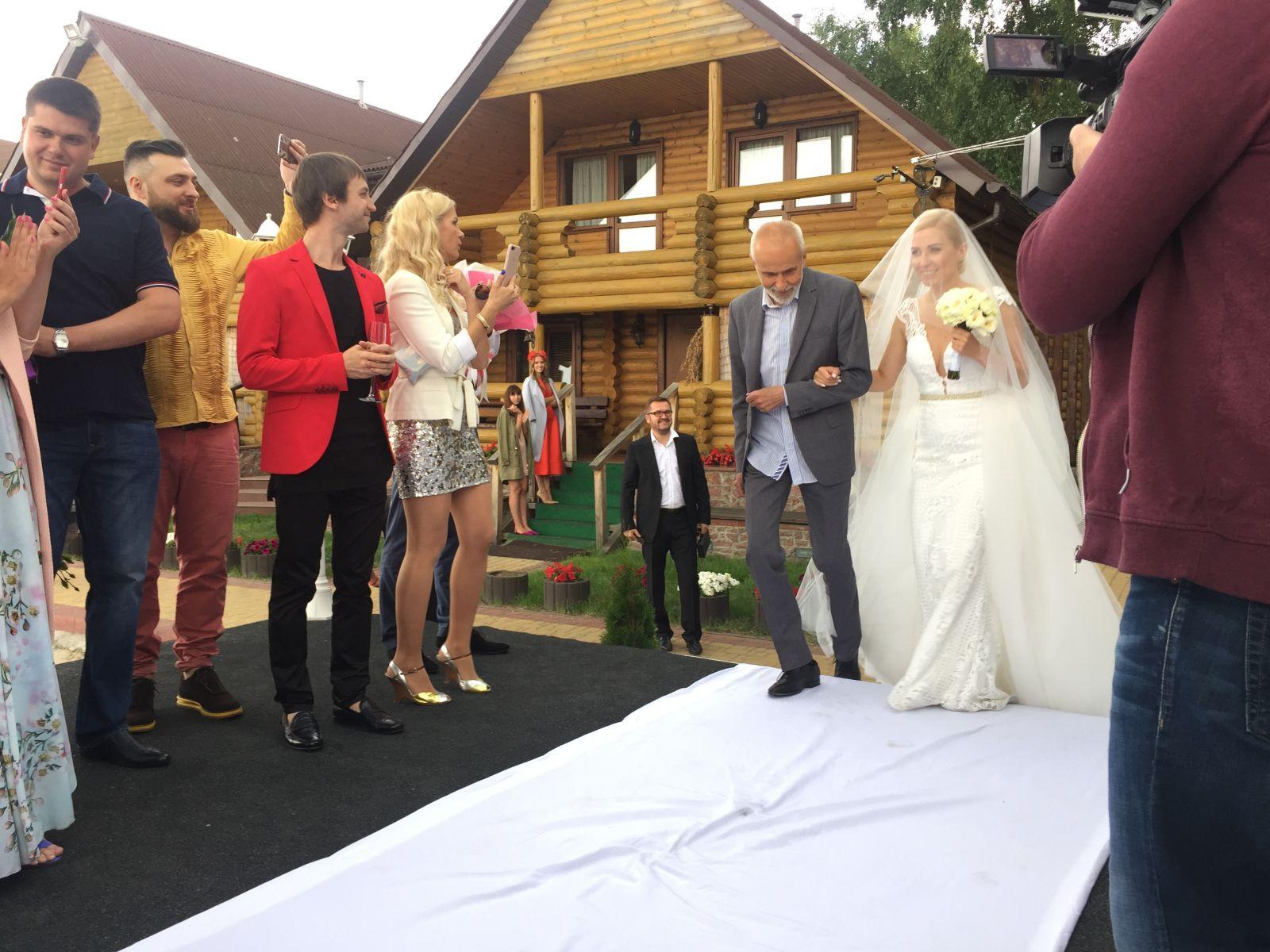 Тоня Матвиенко и Арсен Мирзоян поженились