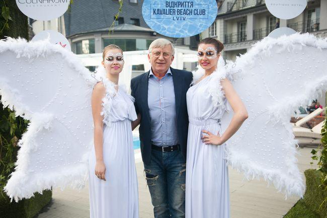 Украинские звезды открыли во Львове пляжный сезон