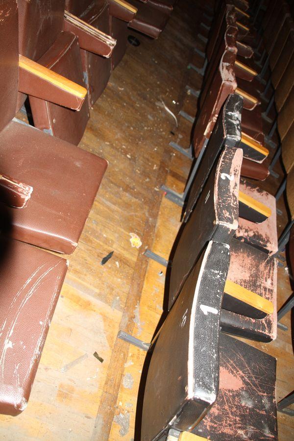 На концерте Натальи Могилевской в Коломые на зрителей в зале обвалился потолок