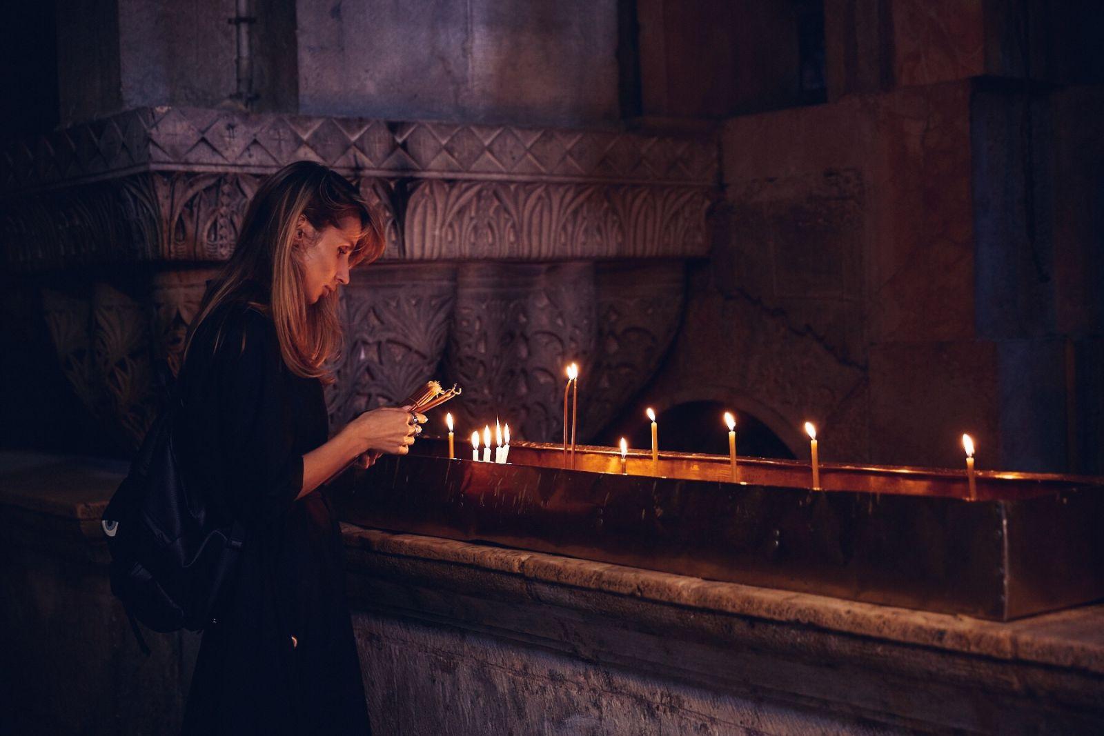 Фотофакт: Loboda помолилась у Стены Плача в Иерусалиме