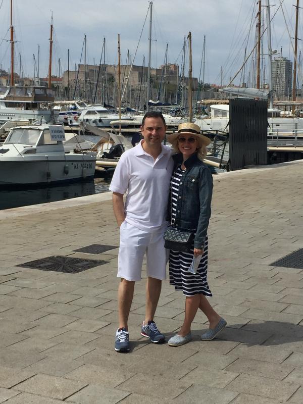 """Ведущая программы """"Факты"""" Оксана Гутцайт отдохнула с семьей на Средиземном море"""