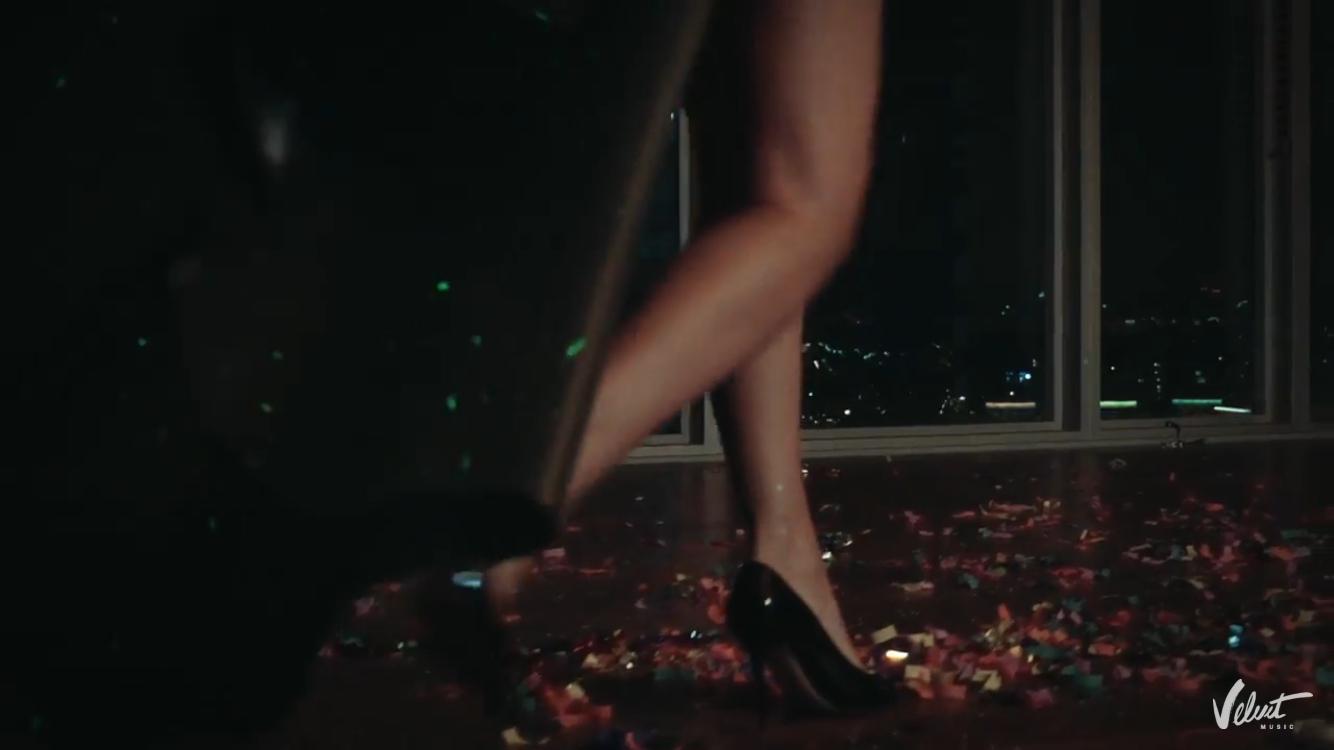 Молодая мама Наталья Подольская снялась в новом клипе с облегающих боди