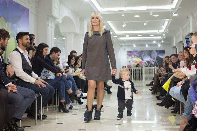 """Жены футболистов киевского """"Динамо"""" посетили модный показ"""