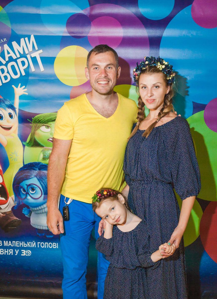 ГЕннадий Попенко с женой Ириной и дочерью Варей