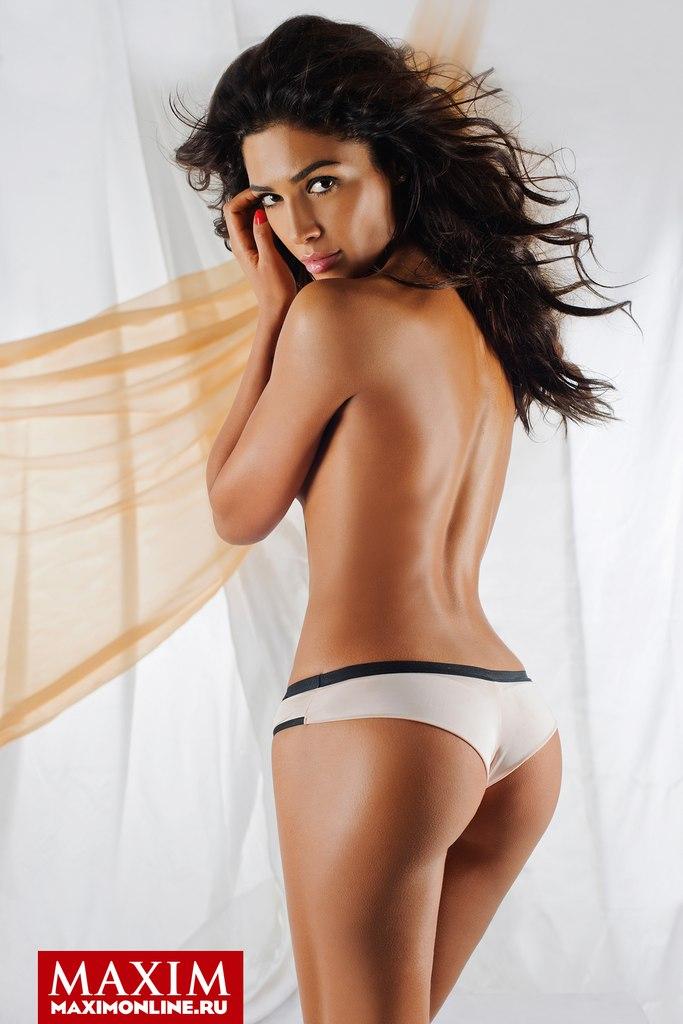 Санта Димопулос фото обнаженная голая 2014 журнал максим