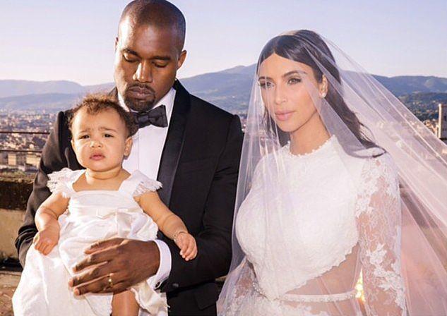 Ким Кардашьян опубликовала трогательное свадебное фото