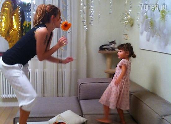 Певица Максим растит из дочки актрису