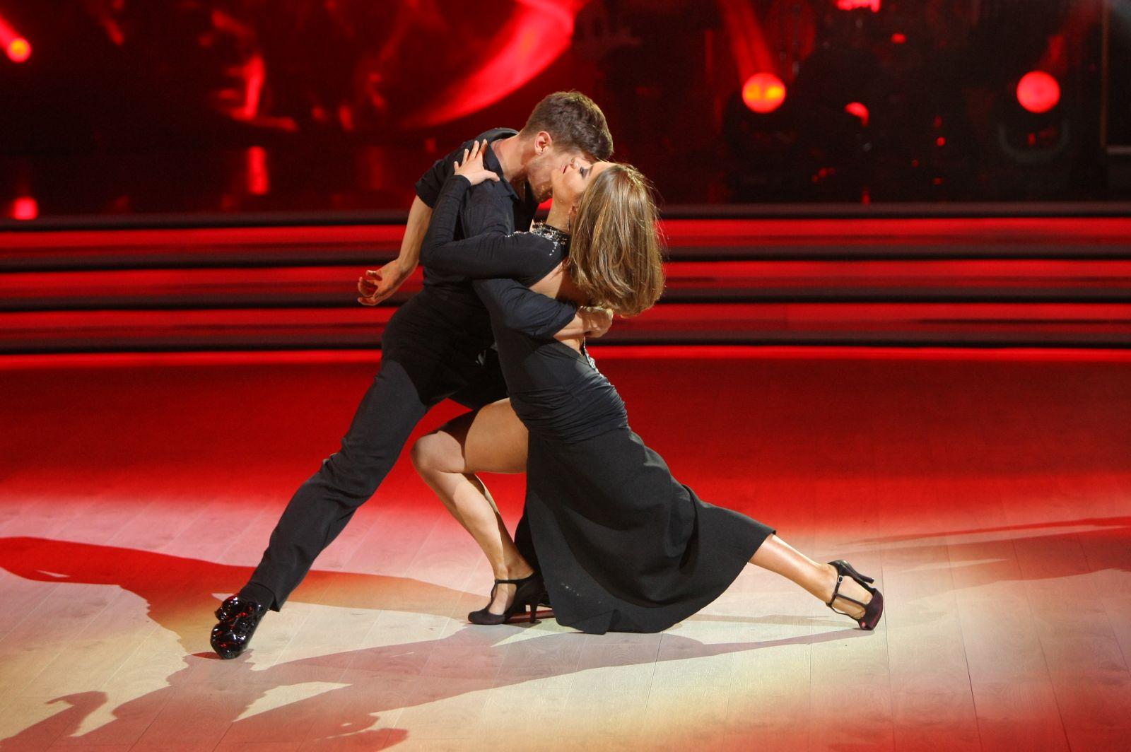Телевизионный ведущий Александр Скичко первым покинул проект «Танцы созвездами»