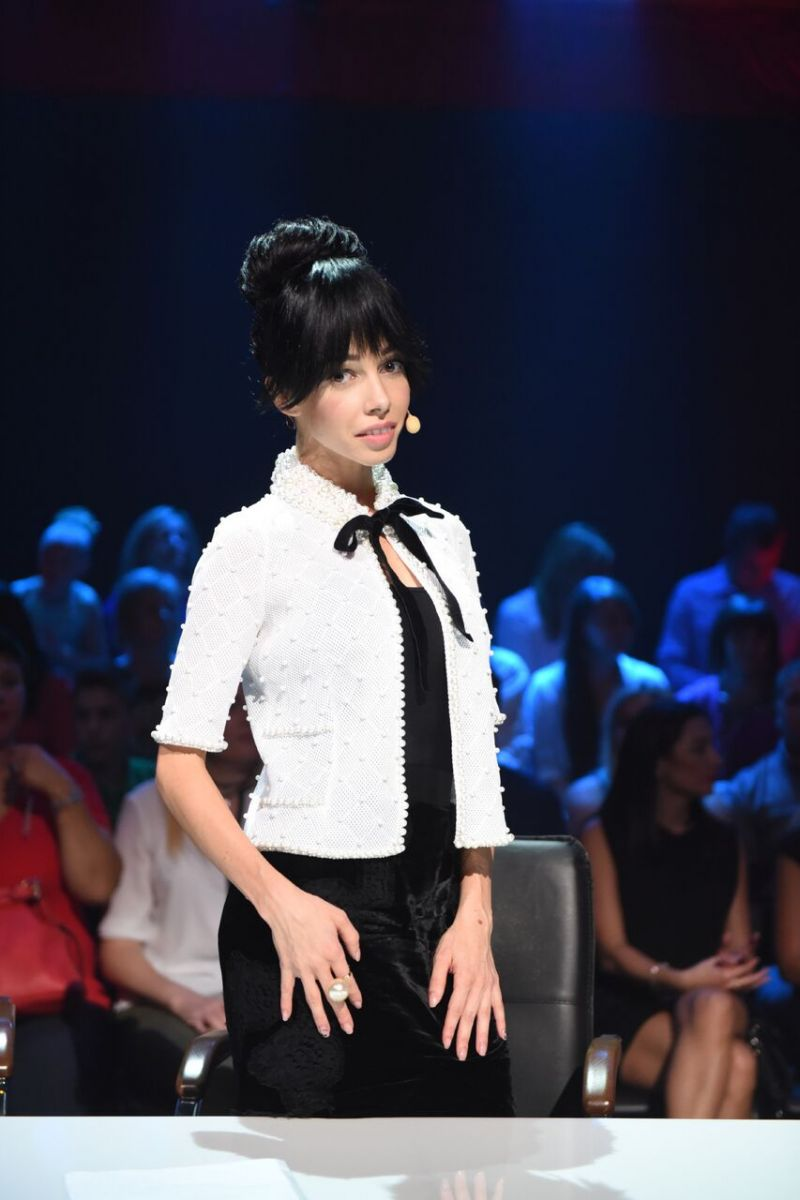 "Строгая изысканность: судья шоу ""Танці з зірками"" восхитила элегантным нарядом"
