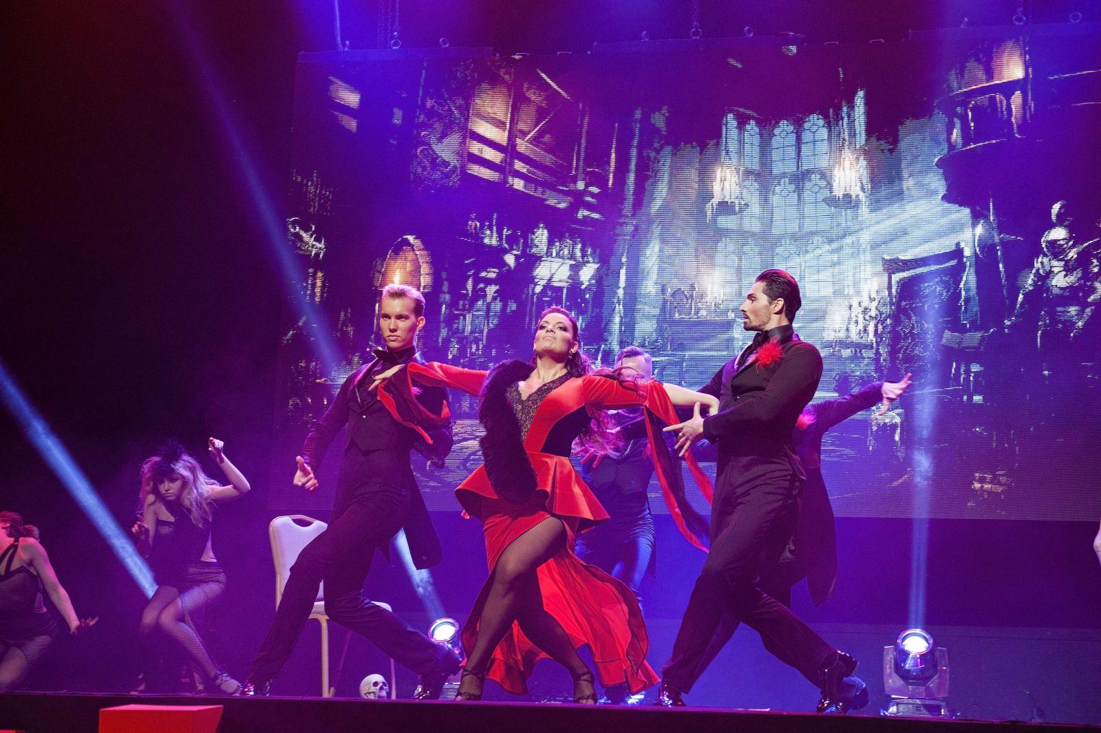Сколько страсти! Похудевшая Наталья Холоденко станцевала невероятное танго на балу Viva!