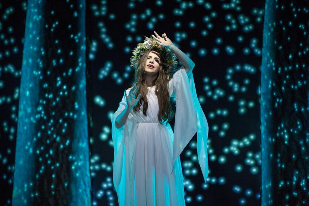 Кристина Соловий снялась в мистическом видео