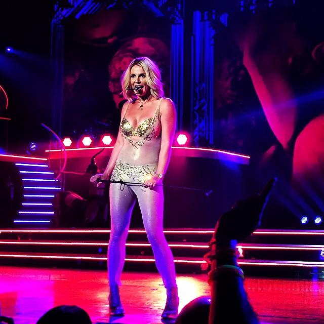 Бритни Спирс зарабатывает 1 миллион долларов в неделю