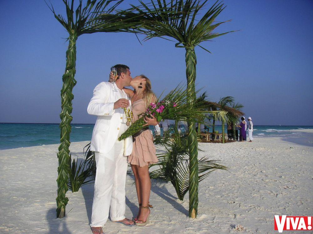 Уникальные фото со свадьбы Тины Кароль на Мальдивах