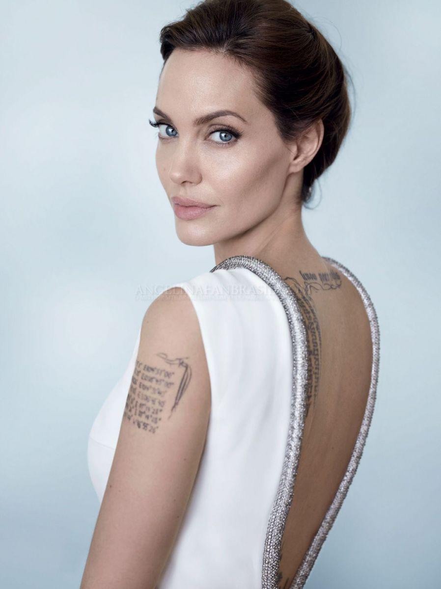 Идеальная красота Анджелины Джоли