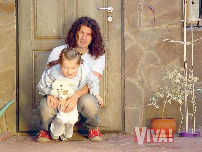 Кузьма Скрябин и его дочь в журнале Viva!
