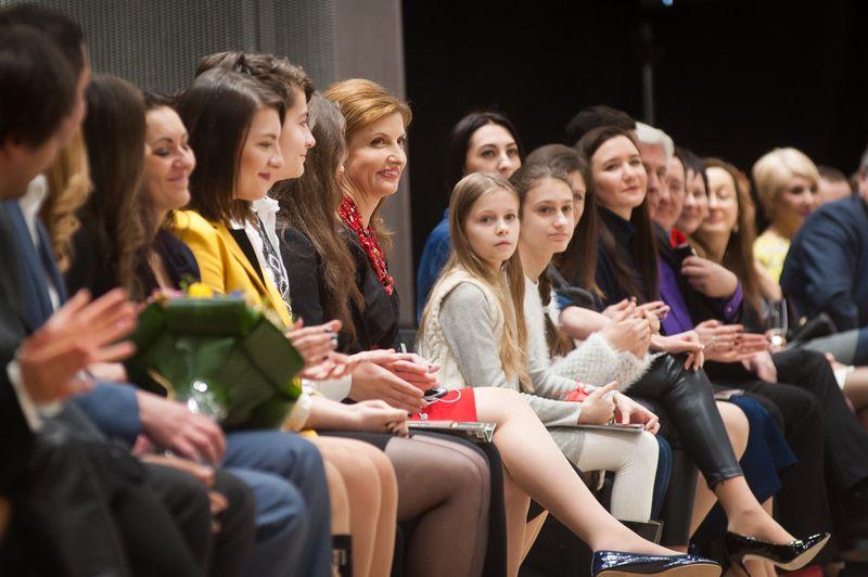 Жена и дети Петра Порошенко вышли в свет на модный показ