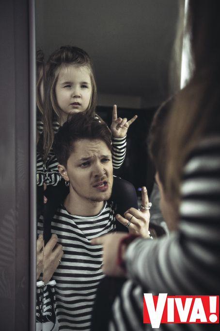 Мальчик дал пасасать жене фото 730-371