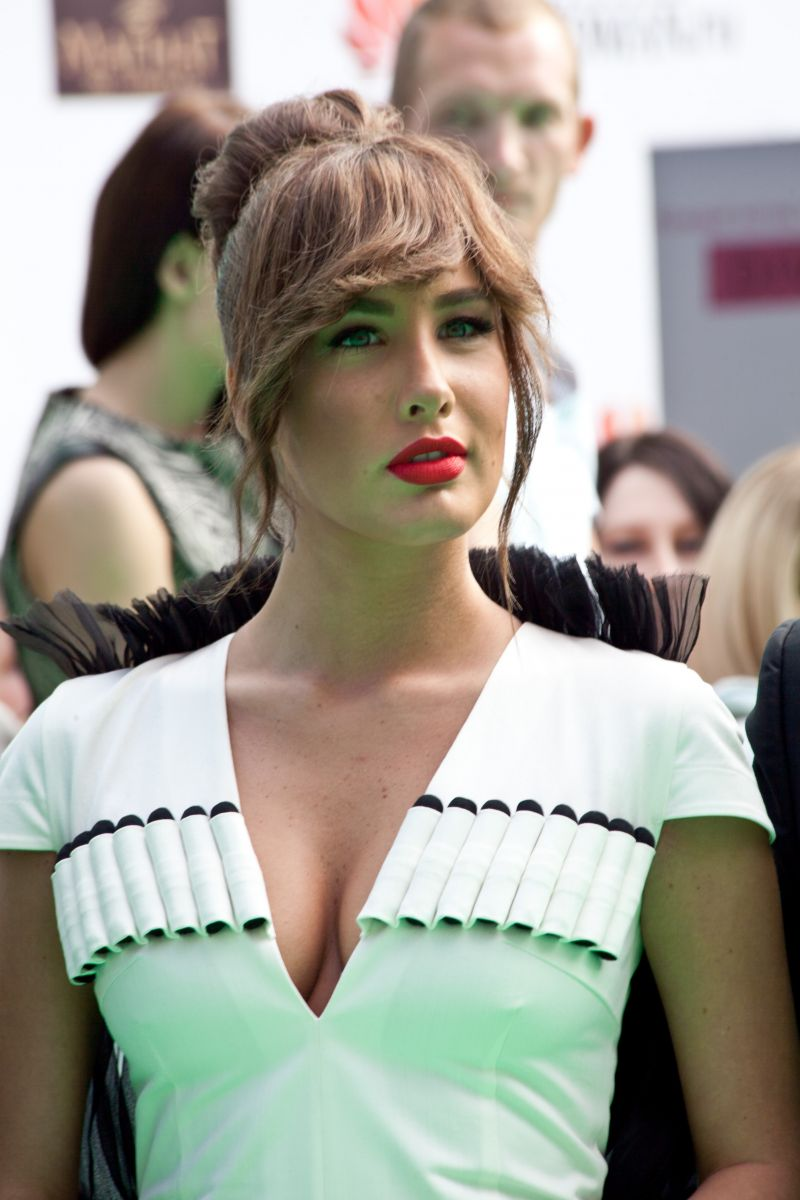 Кэти Топурия на премии Муз-ТВ