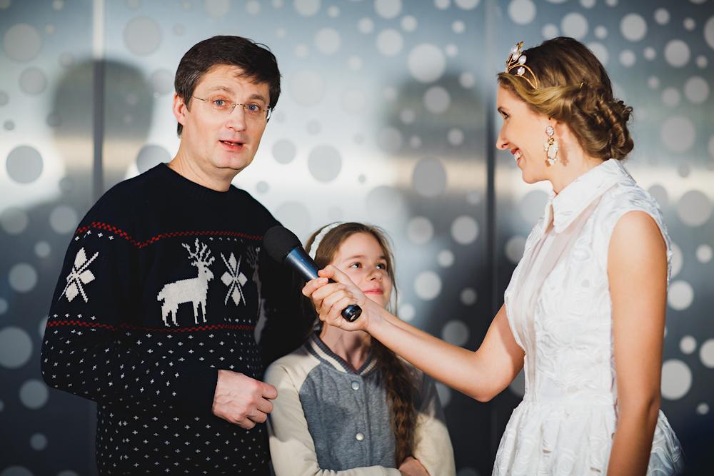 Игорь Кондратюк с дочерью и Катя Осадчая