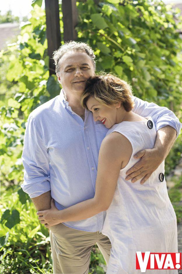 Римма Зюбина знакомит с мужем и сыном: фотосессия в доме актрисы