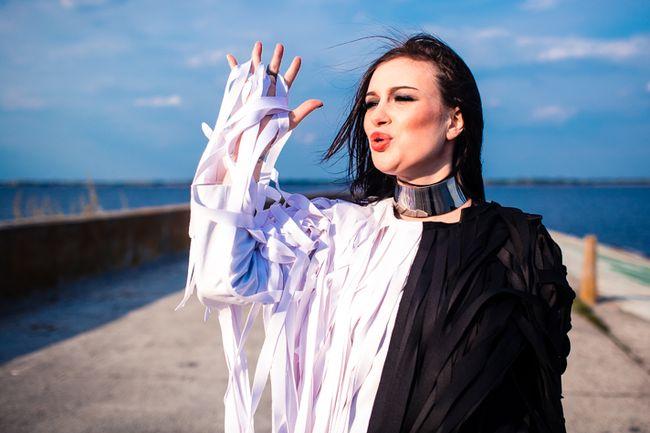 Анастасия Приходько посвятила мужу новый клип