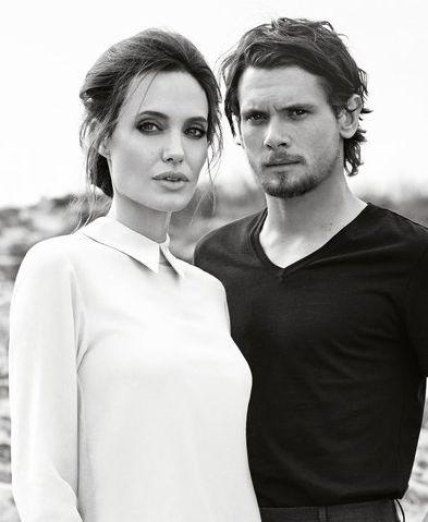 Анджелина Джоли снялась в новой фотосессии