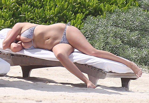 Кейт Аптон шокировала своей фигурой