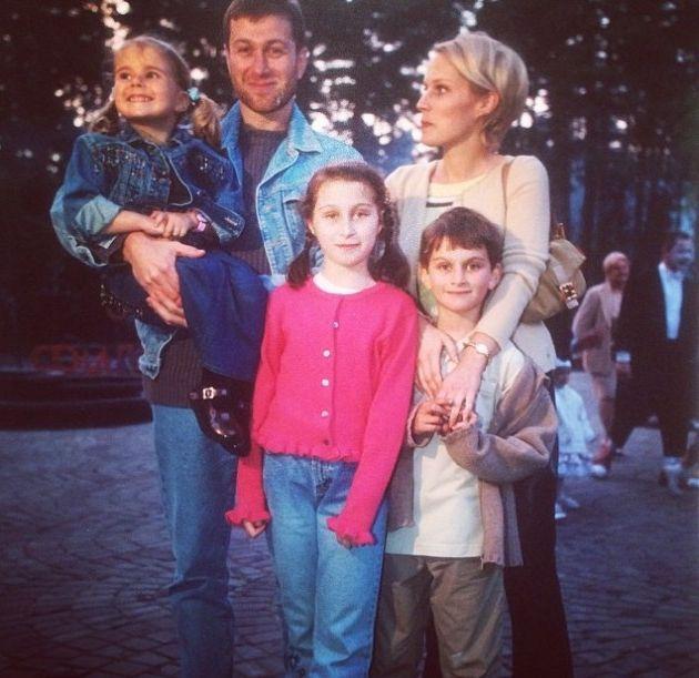 дочь Романа Абрамовича опубликовала трогательные семейные фото